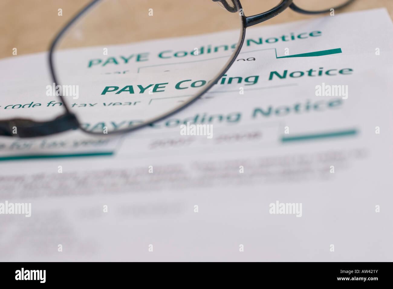 PAYE Codierung Kündigungsfrist Zahlen, wie Sie verdienen Stockbild