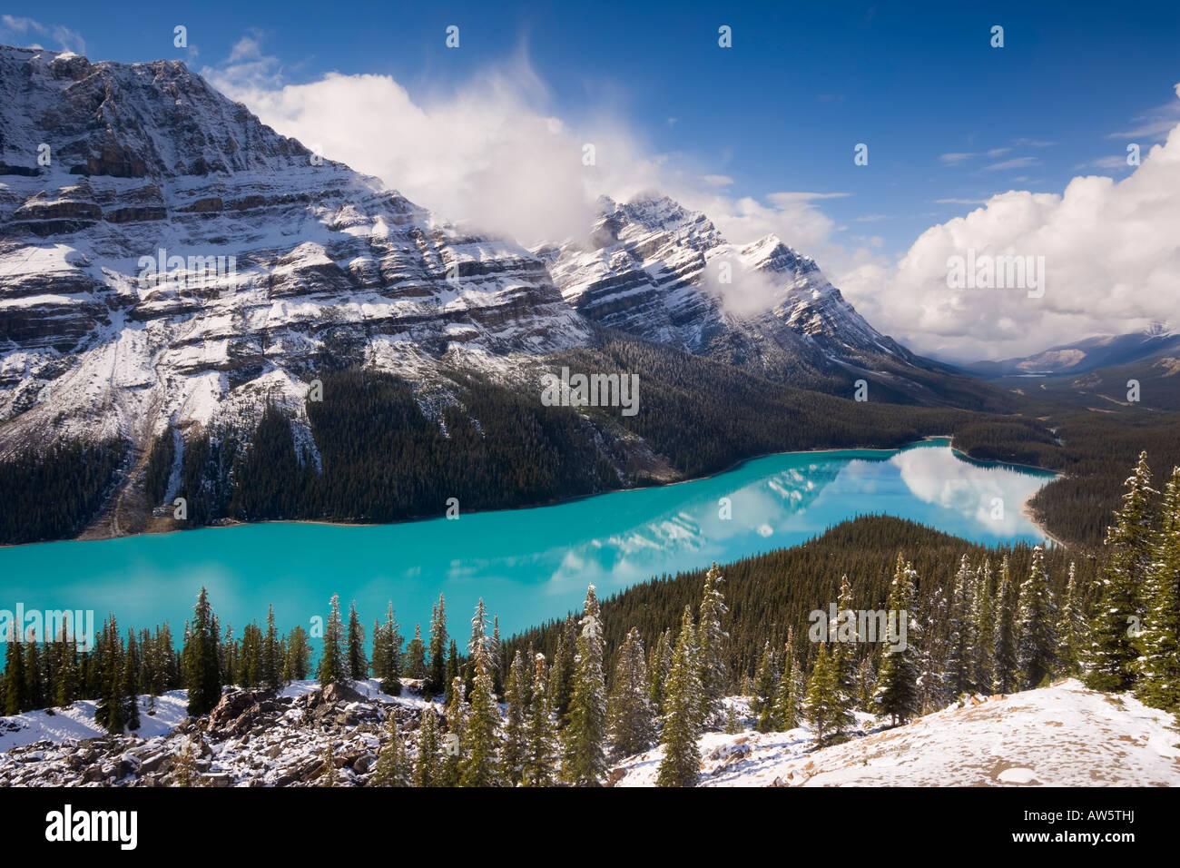 Peyto Lake von glazialen Schlick Banff Jasper National Parks Kanada Nordamerika gefärbt Stockbild