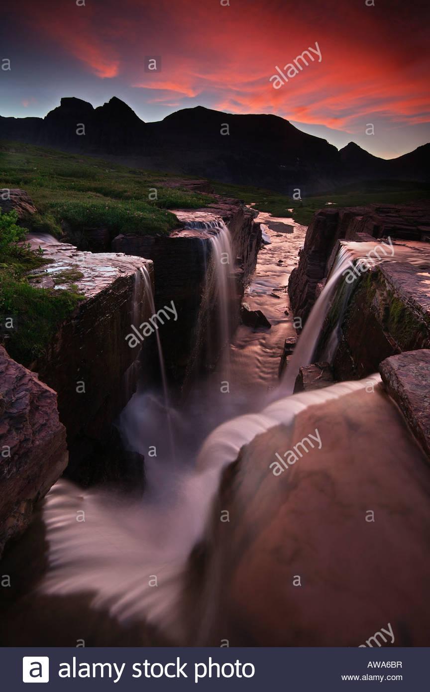 Mehrere kleine Wasserfälle kombinieren, nicht weit von der kontinentalen Wasserscheide in der Nähe von Stockbild