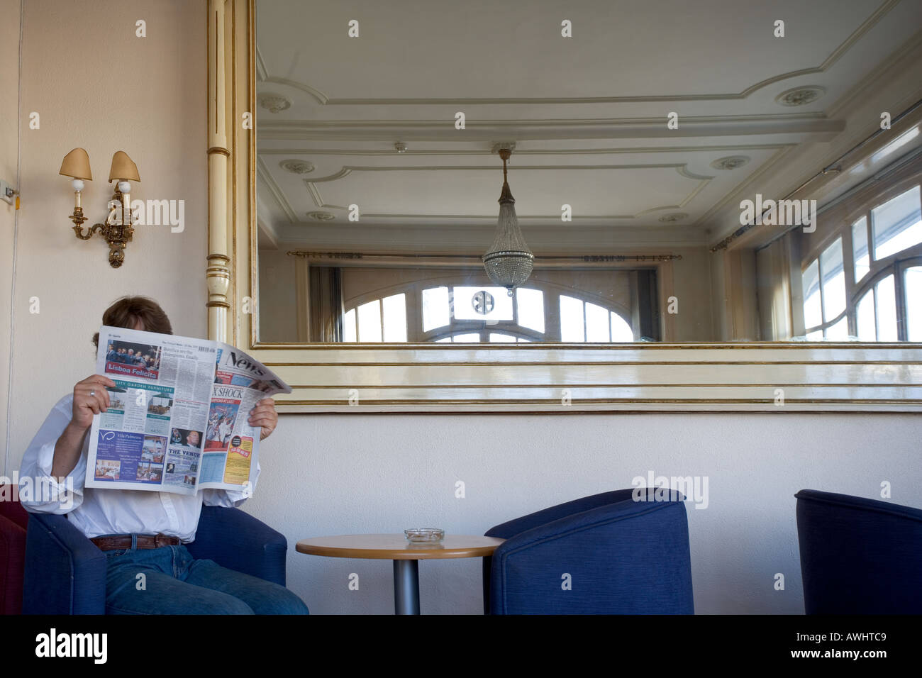 Gilt Mirror Stockfotos & Gilt Mirror Bilder - Alamy