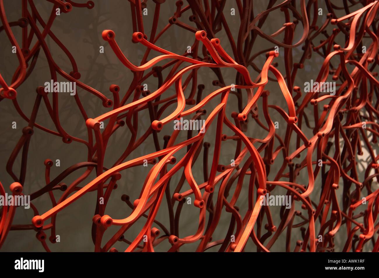 Roter Kunststoff Abstrakte Skulptur Wand Im Burogebaude Aufzug Foyer Stadt Von London Ec2 England Stockfotografie Alamy