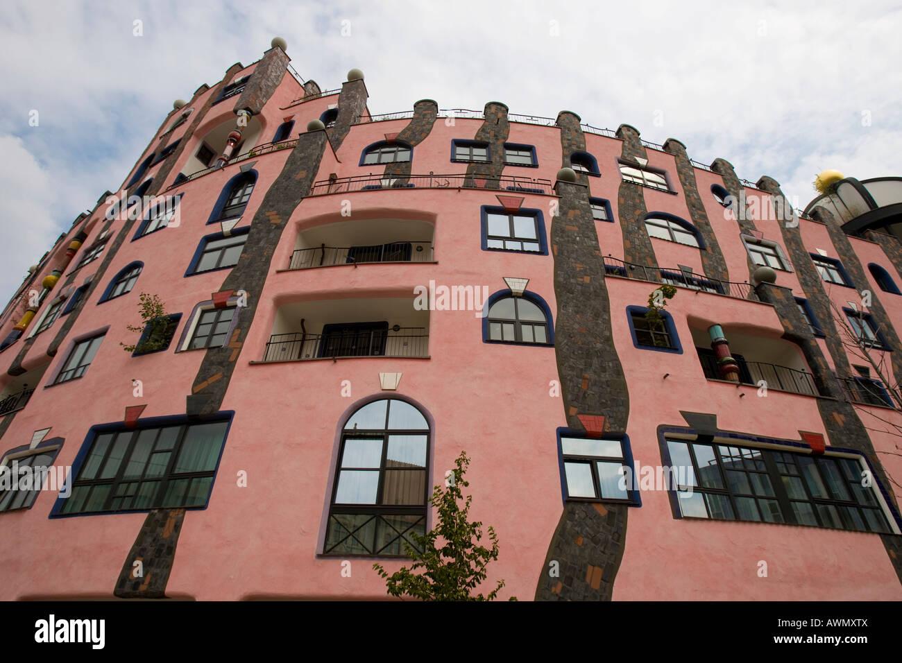 Magdeburg Architektur die grüne zitadelle entworfen vom architekten hundertwasser