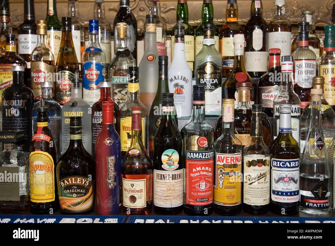Alkoholische Getränke Stockfoto, Bild: 16633956 - Alamy