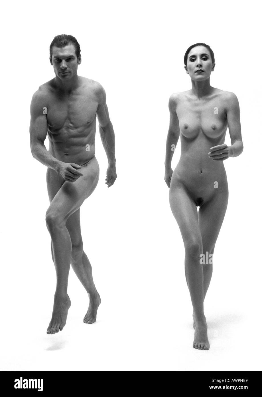 frauen laufen nackt