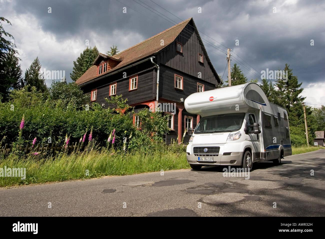 Wohnmobil, Umgebindehaus, Krompach, Zittauer Gebirge, Tschechien