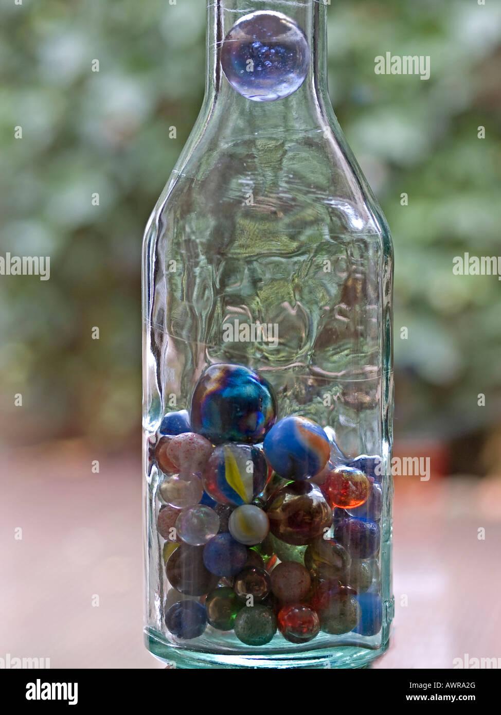 glas bottle stockfotos glas bottle bilder alamy. Black Bedroom Furniture Sets. Home Design Ideas
