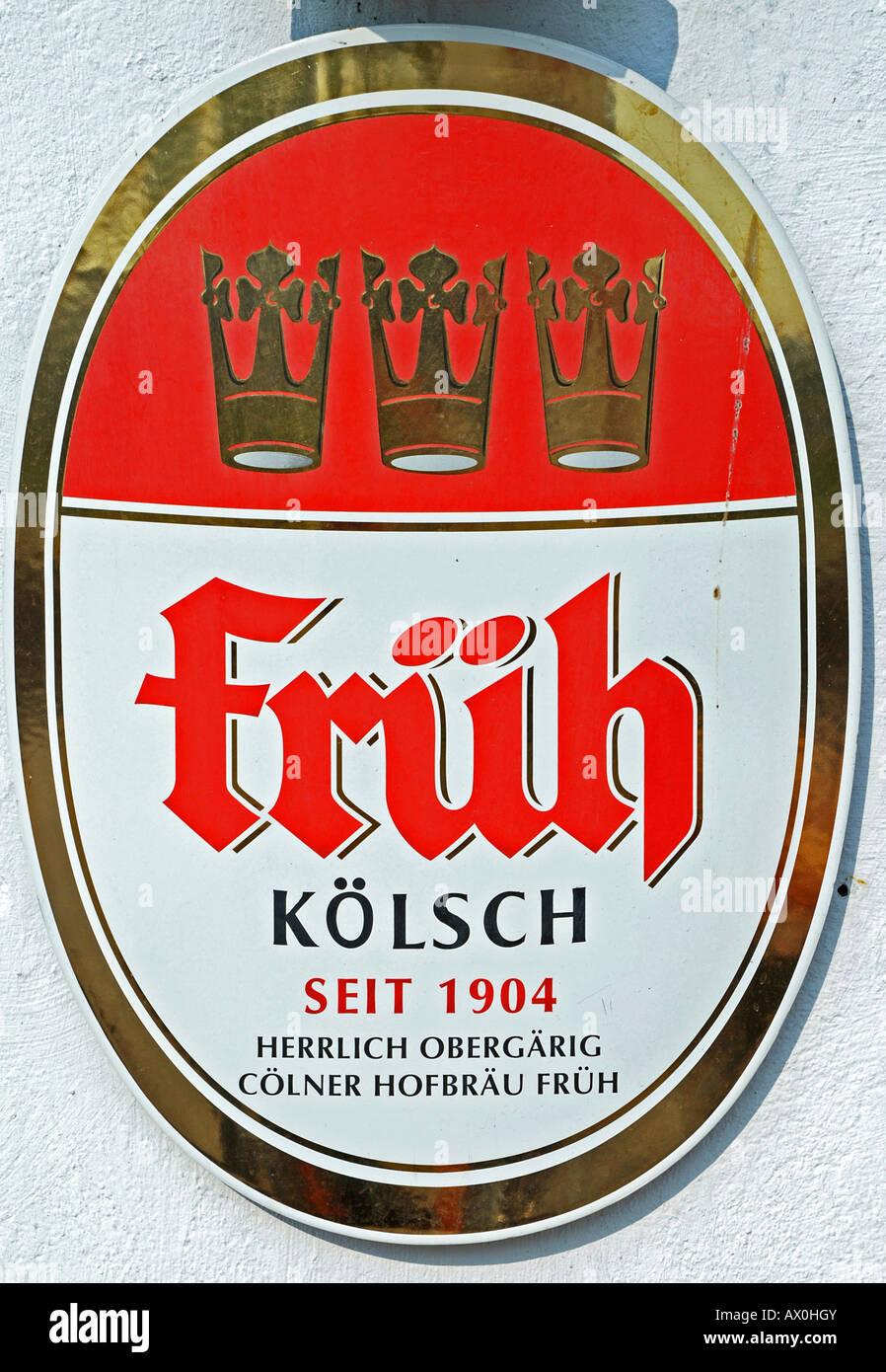 Werbeschild für Kölsch (Bier) im alten Teil der Stadt, Köln, Nordrhein-Westfalen, Deutschland Stockbild