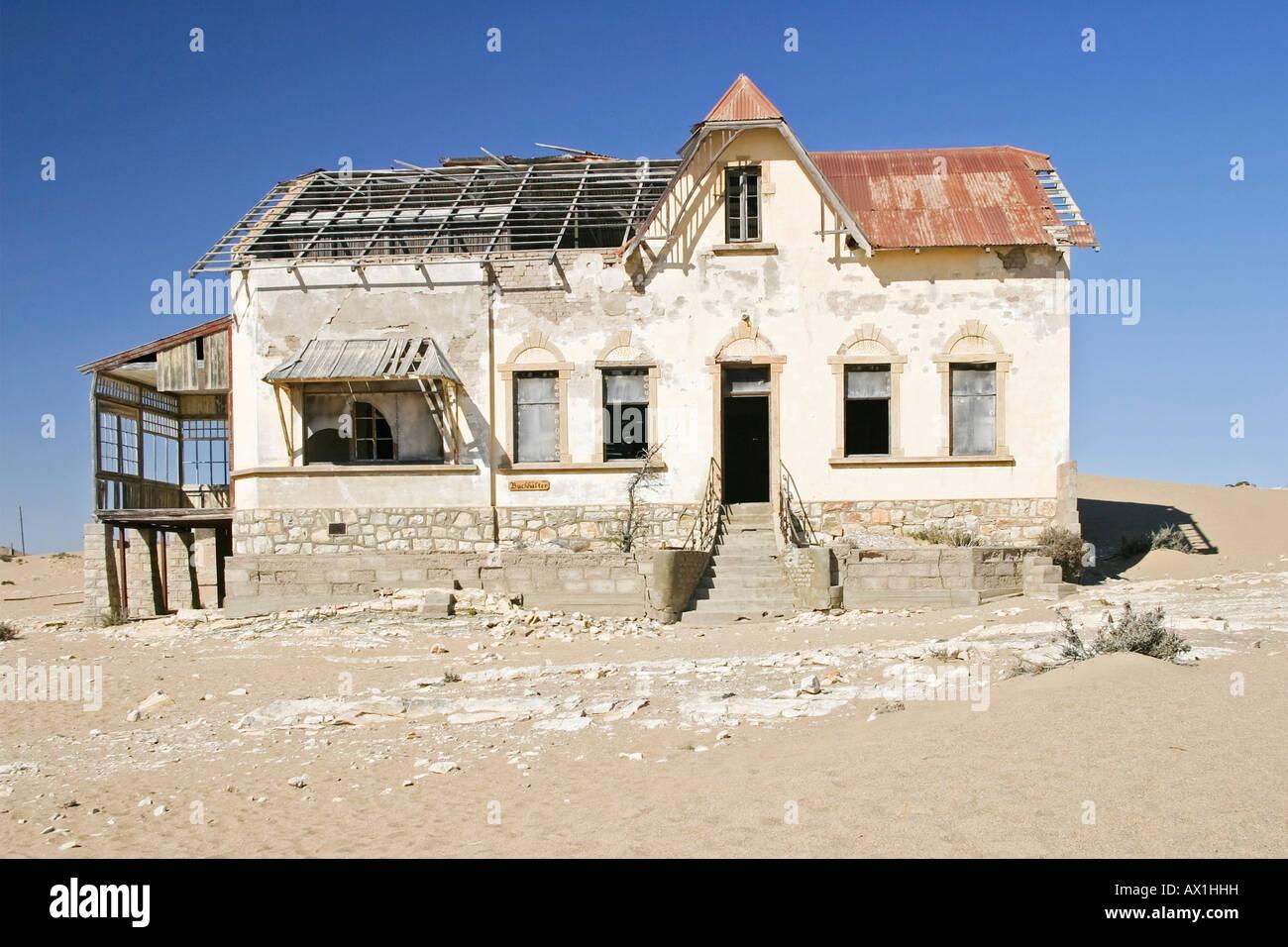 Haus Kaufen Namibia : haus in der ehemaligen diamondtown geisterstadt kolmanskop in der namib w ste l deritz ~ Markanthonyermac.com Haus und Dekorationen