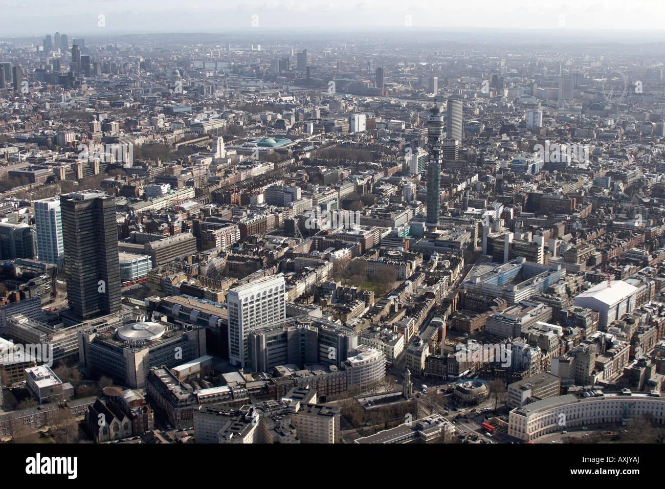 Hohen Niveau schrägen Luftbild südöstlich von Tottenham Court Road UCH BT und Euston Tower Fluss Stockbild