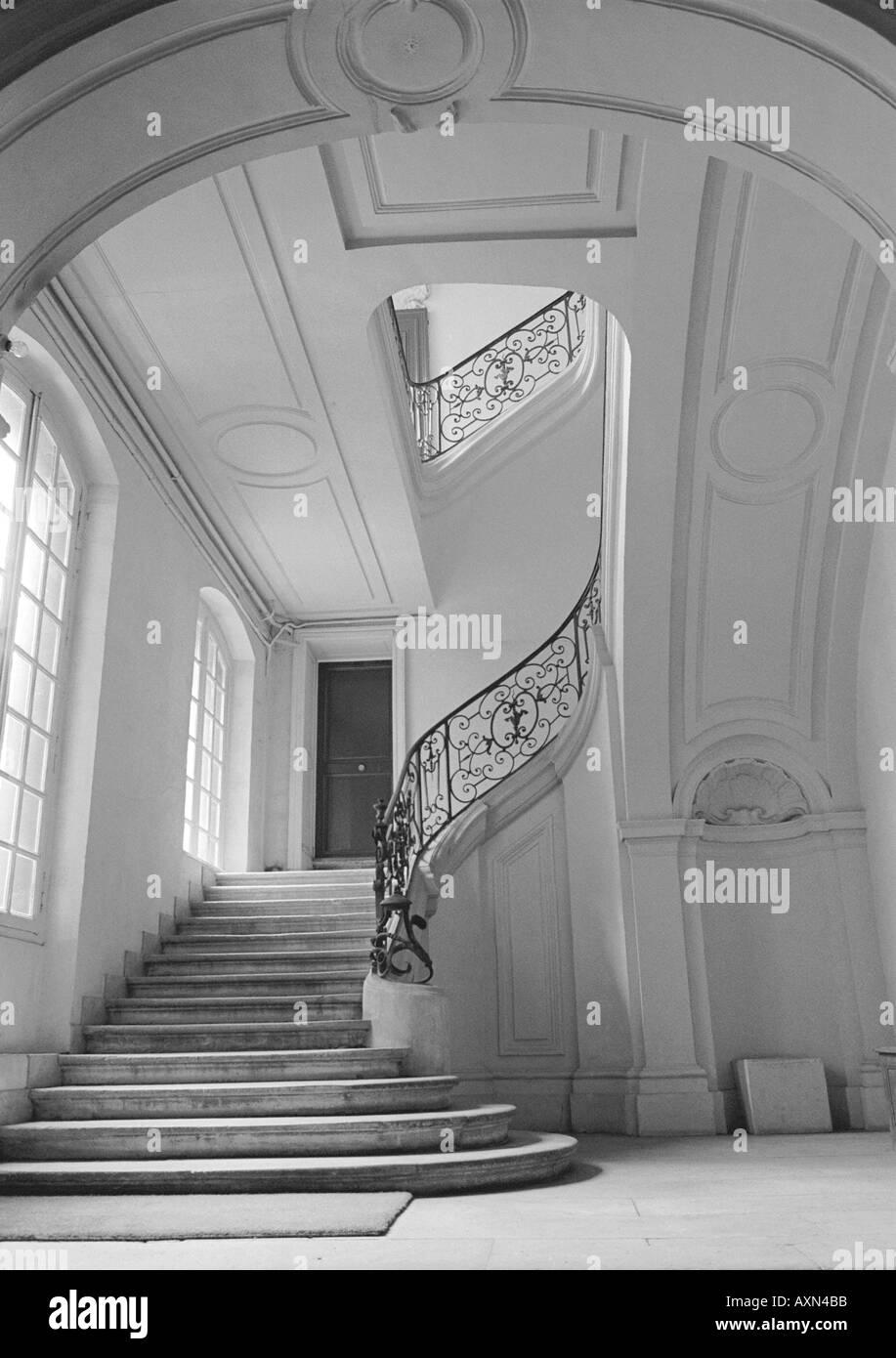 Treppen architektur detail  Paris Frankreich, Architekturdetail, alte Villa in der