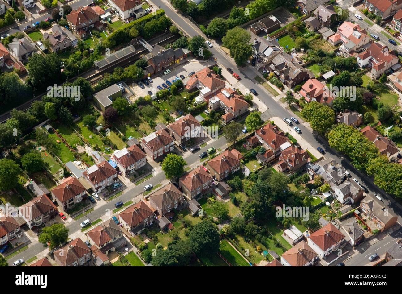 Suburban doppelhaush lfte wohnen in merseyside in der n he von sefton park und den fluss mersey - Gartengestaltung doppelhaushalfte bilder ...