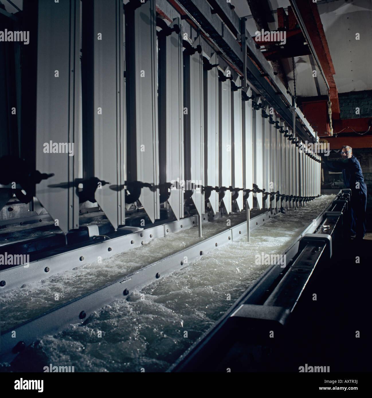 Eloxieren von Aluminium-Profile für architektonische Verkleidung und ...