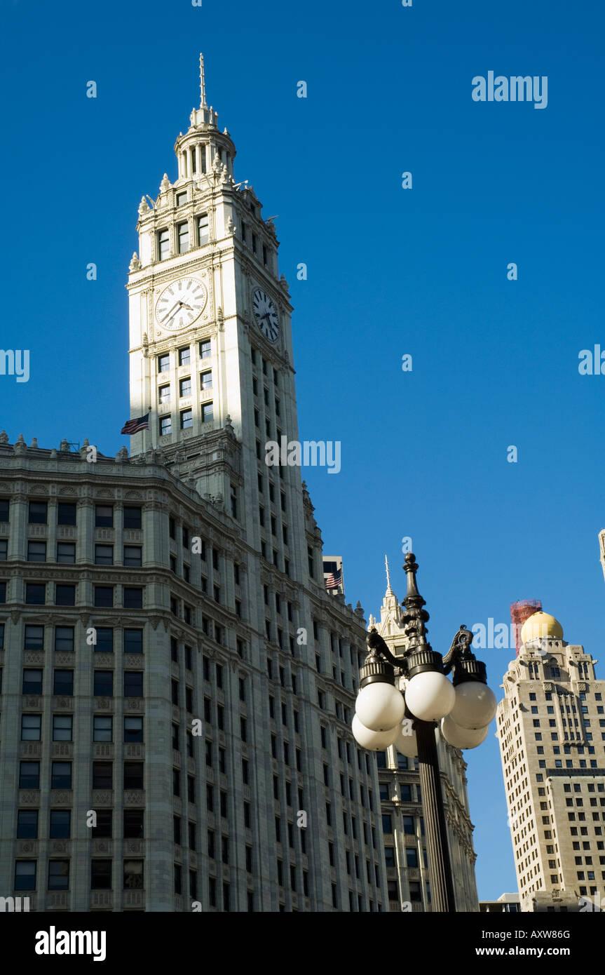 Wrigley Gebäude auf der linken Seite, Chicago, Illinois, USA Stockbild