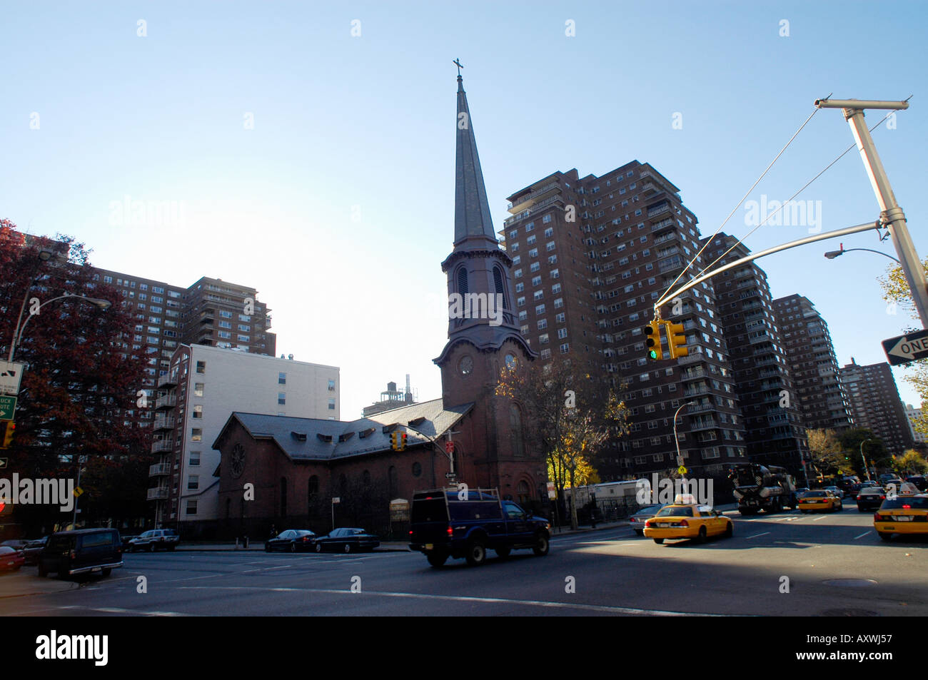 Kirche der Heiligen Apostel in Chelsea in New York City Stockfoto ...
