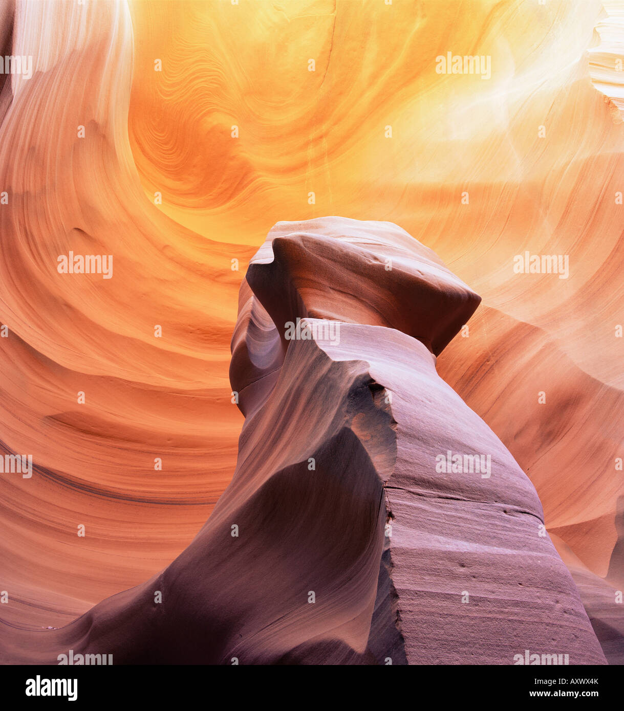 Säule aus Stein in Thin Sexplosion Canyon, einem Slotcanyon, Arizona, Vereinigte Staaten von Amerika (U.S.A.), Stockbild