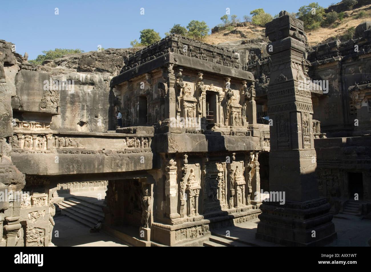 Die Ellora Höhlen, Tempel in festem Gestein, in der Nähe von Aurangabad, Maharashtra, Indien schneiden Stockbild