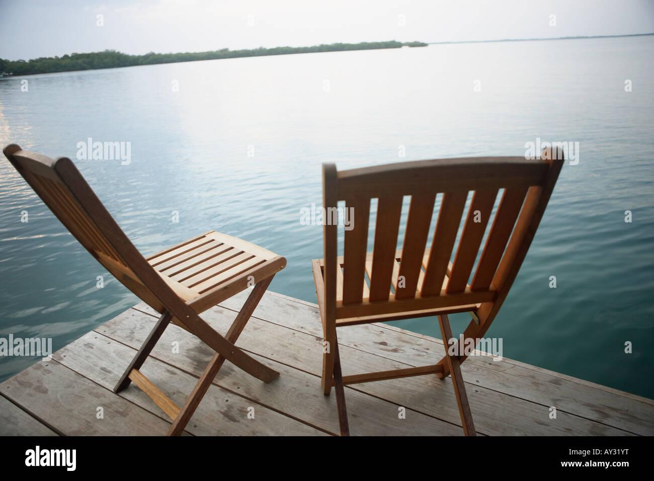 Deck Chair On Wooden Dock Stockfotos und  bilder Kaufen   Alamy