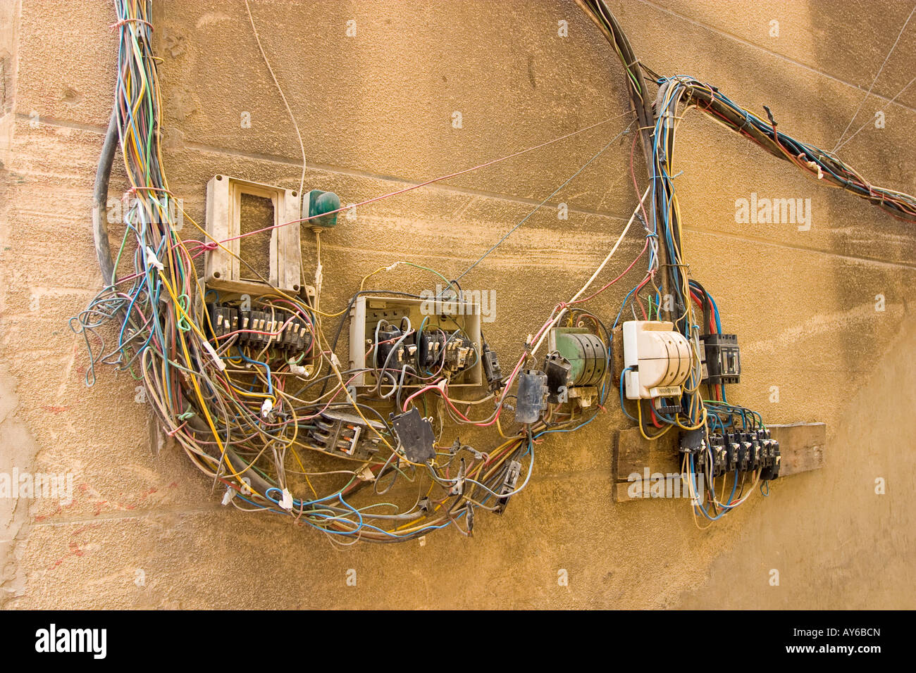Mess Electrical Wiring Open Connection Stockfotos & Mess Electrical ...