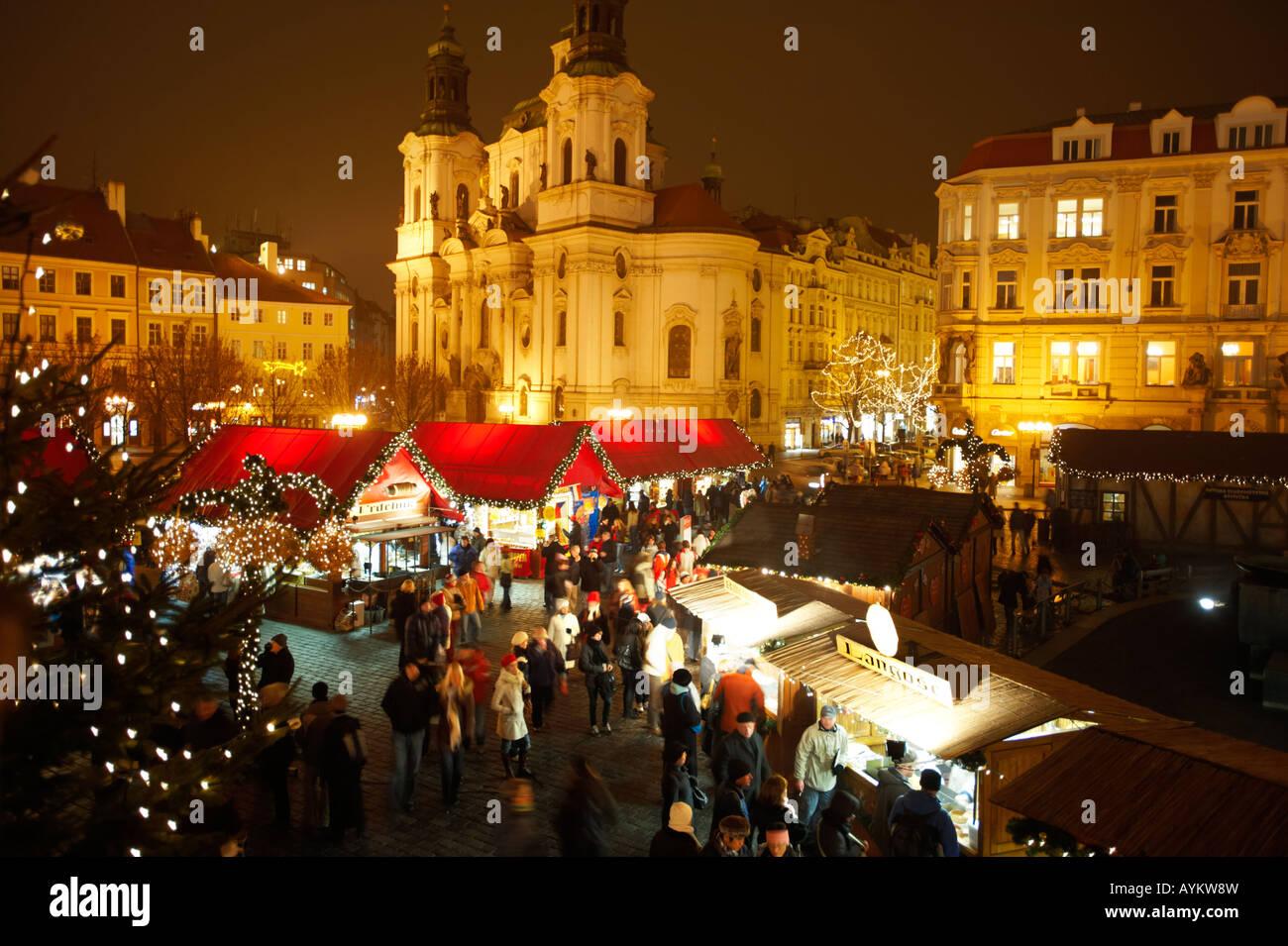 festliche weihnachtsmarkt prag in der nacht den. Black Bedroom Furniture Sets. Home Design Ideas