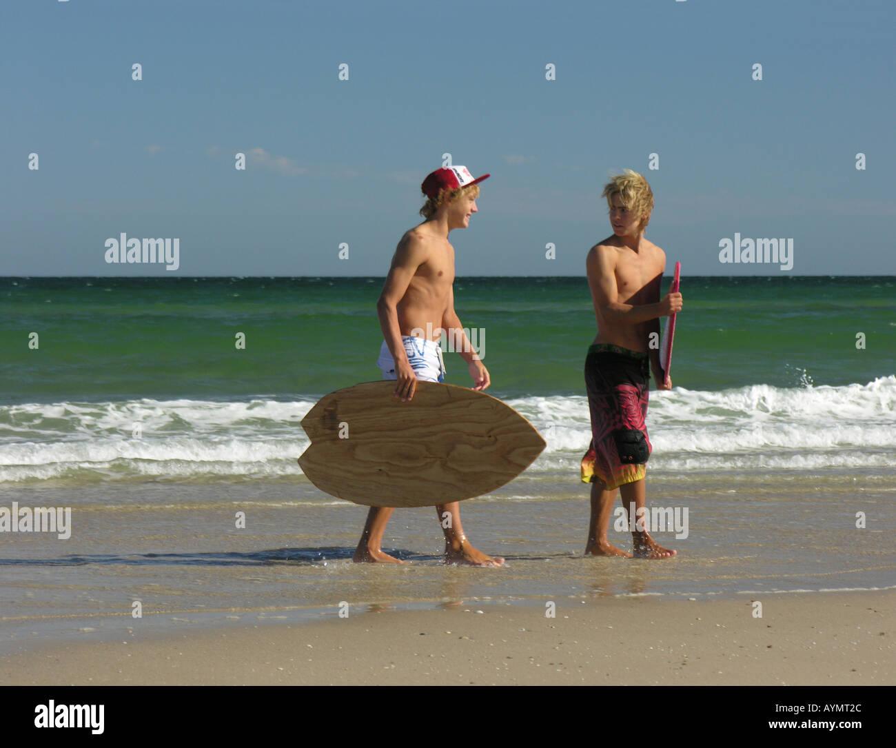 nackt teen boys am strand