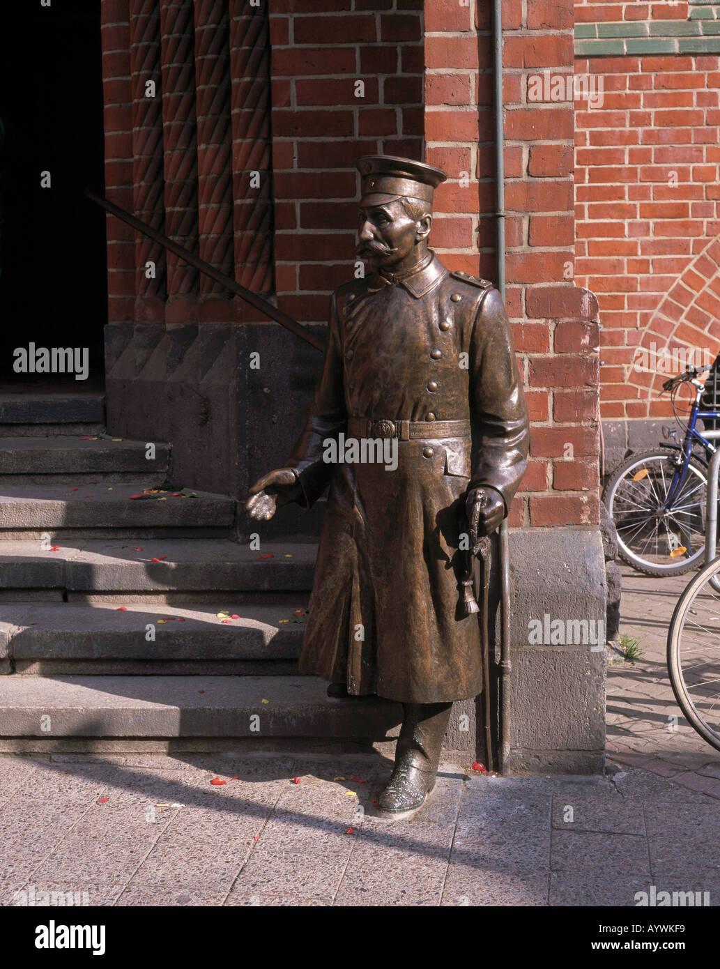 standbild skulptur bronzeplastik des hauptmann von. Black Bedroom Furniture Sets. Home Design Ideas