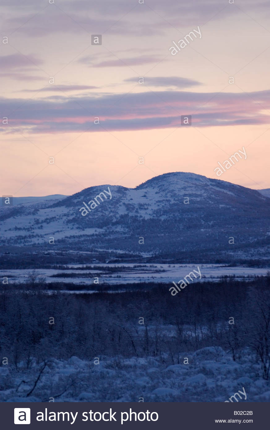 Mitten im Winter Licht verblassen, mittags in Kilpisjärvi finnischen Lappland Stockbild