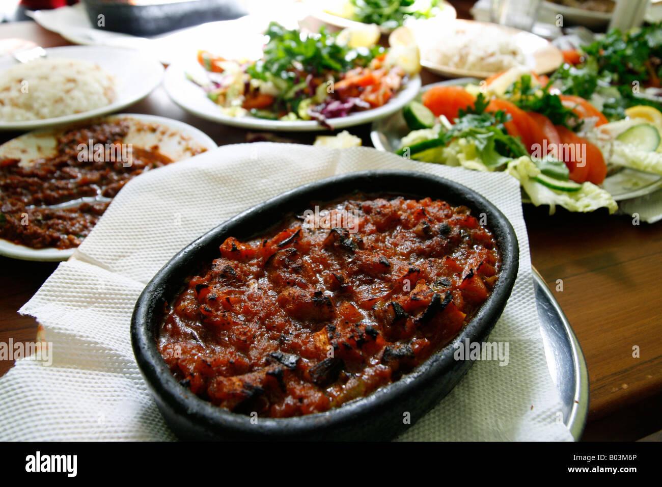 Vegetarische Gerichte der türkischen Küche-Versionen möglicherweise ...
