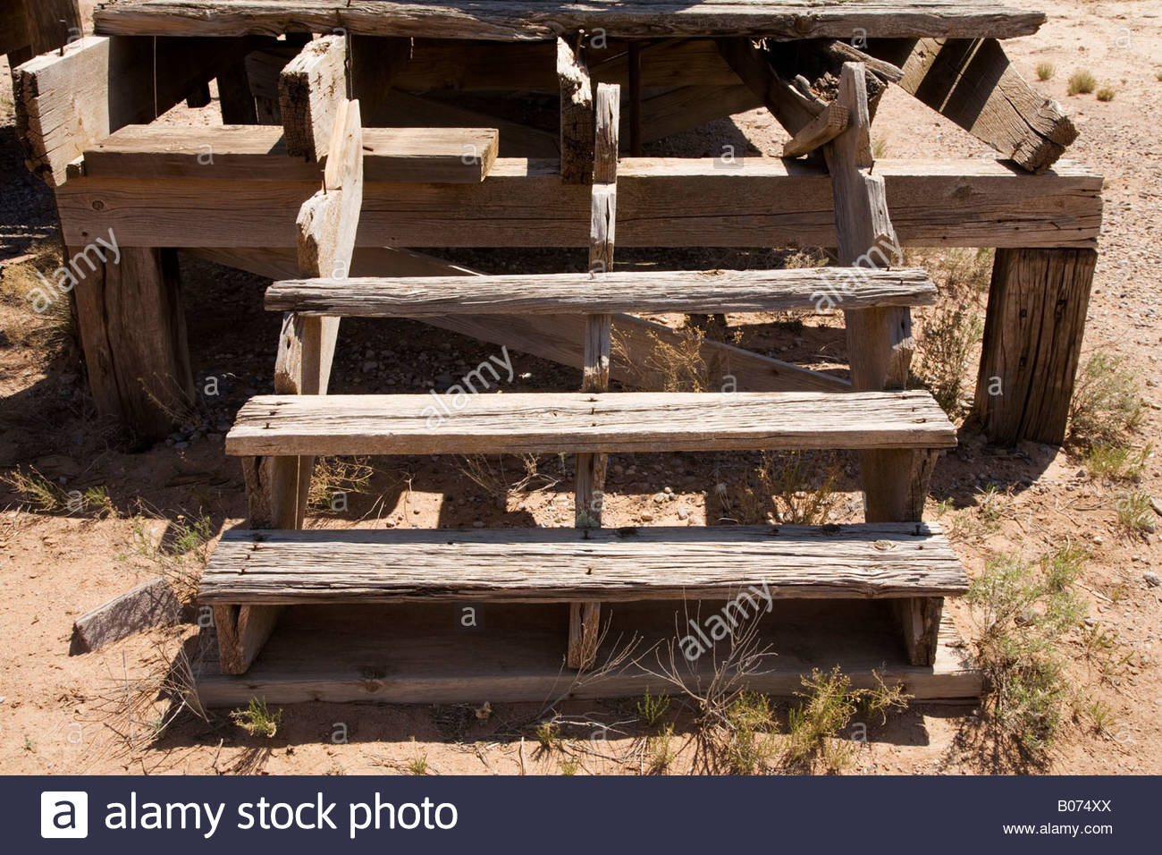 falling down stairs stockfotos falling down stairs bilder alamy. Black Bedroom Furniture Sets. Home Design Ideas