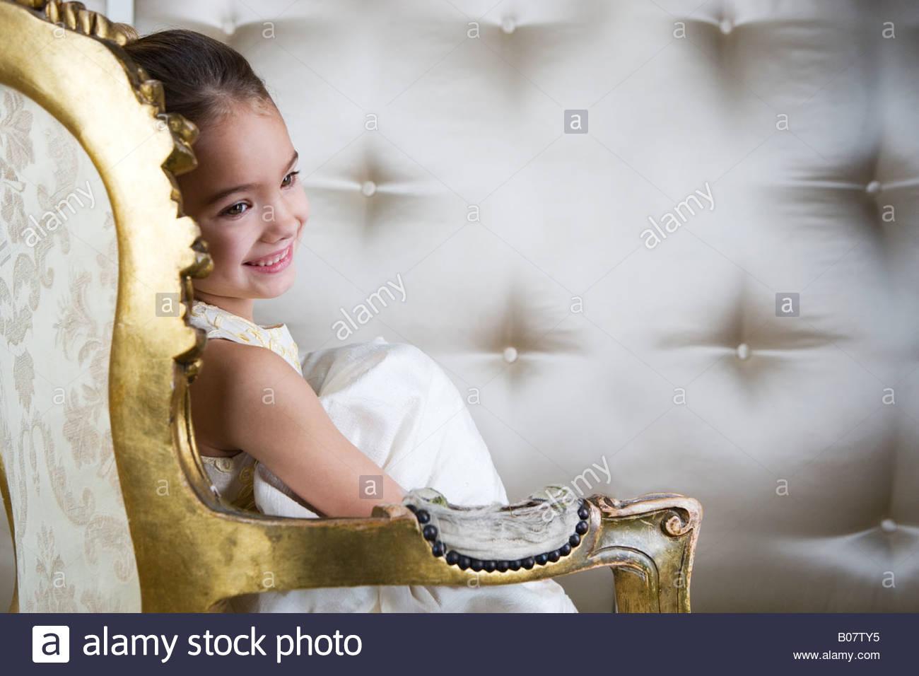 Fantastisch Kleines Mädchen Partykleid Fotos - Brautkleider Ideen ...