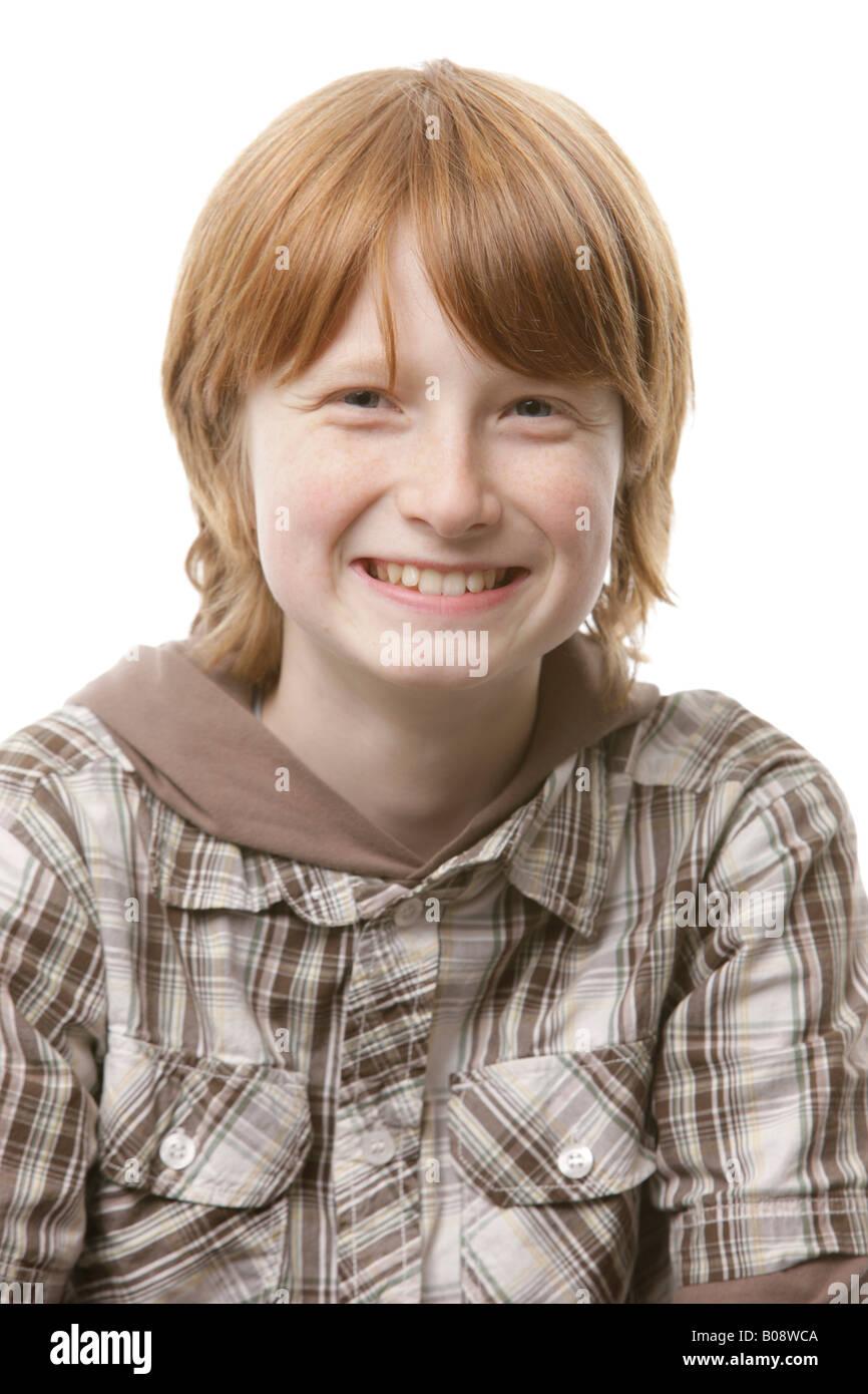 12 Year Old Boy Lächelnd Stockfoto Bild 17405930 Alamy