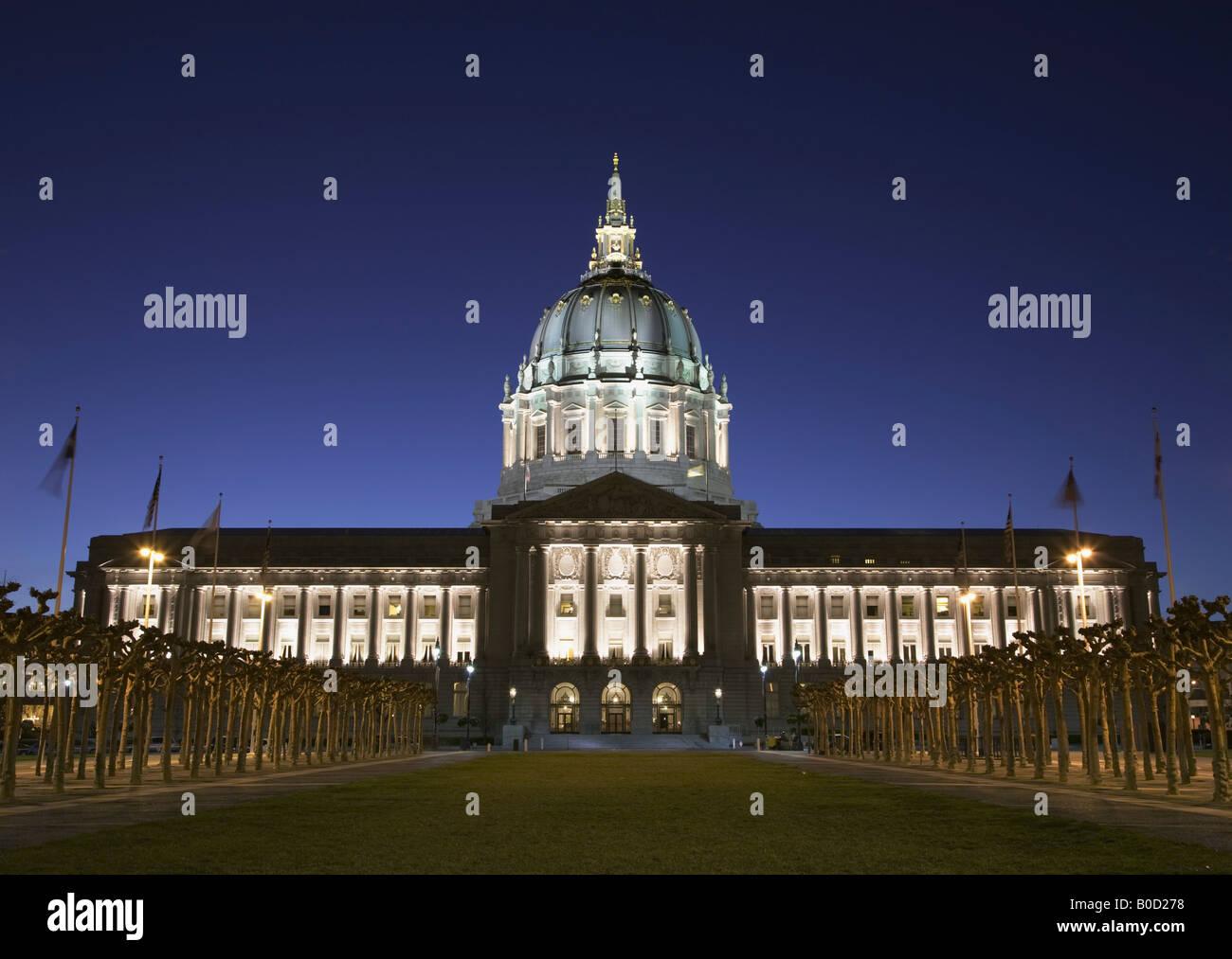 Rathaus und Civic Center Plaza in der Nacht San Francisco Kalifornien, USA Stockfoto