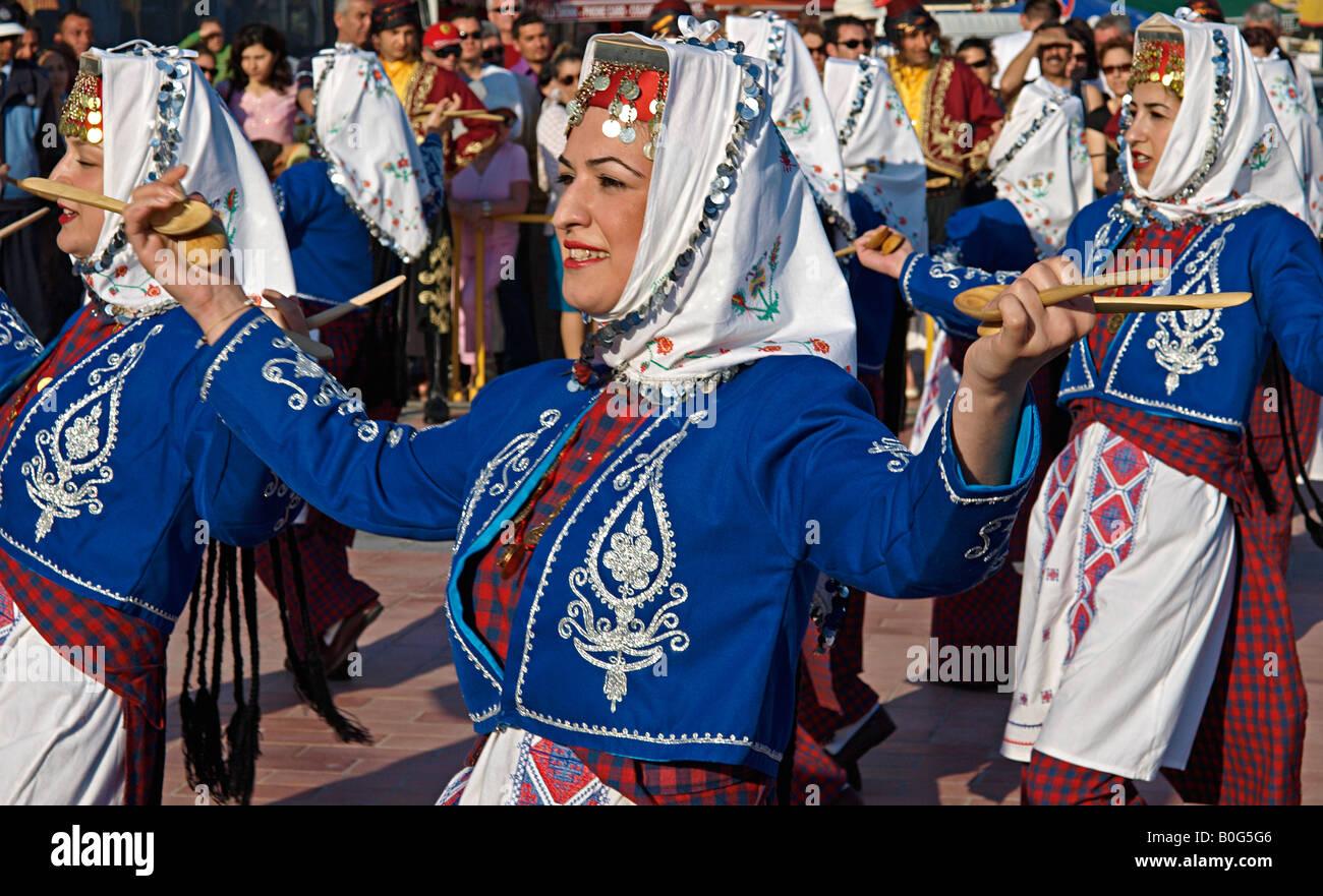 Kleidung der frauen in der turkei