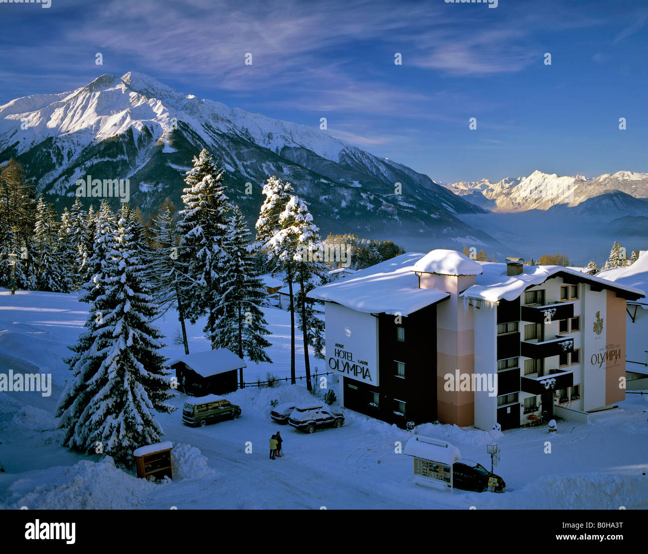 Blick vom Moesern auf Mt. Hocheder im Winter, Inntal, Stubaier Alpen, Sellrainer Berge, Inntal, Tirol, Österreich Stockbild