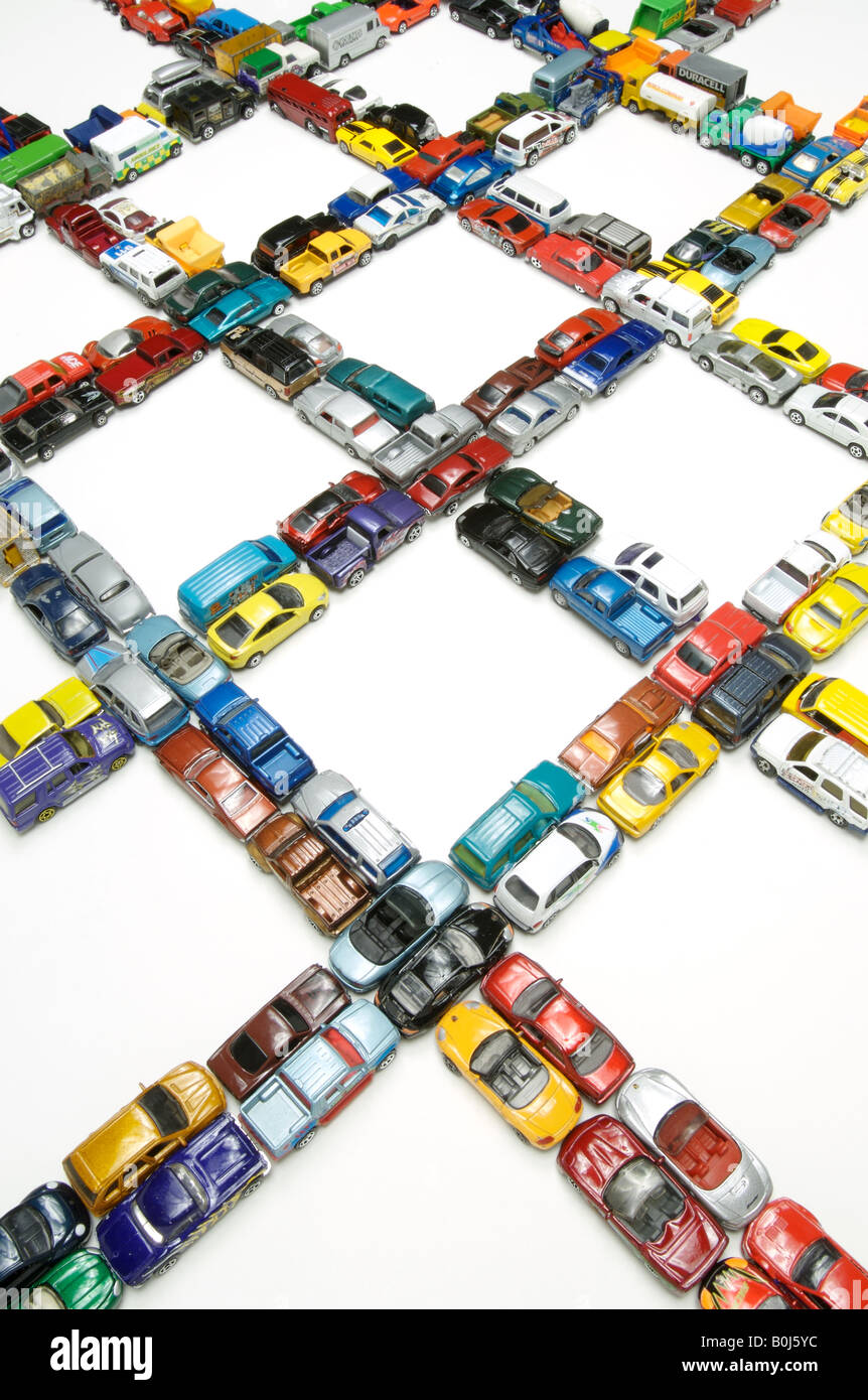 Mehrere Staus mit Miniatur-Autos Stockbild