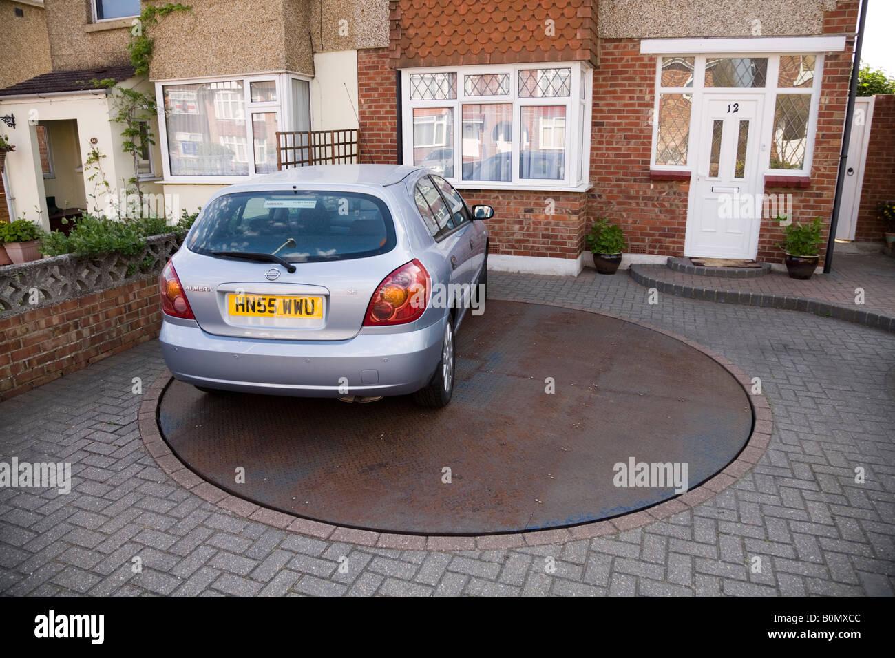 Drehteller Drehscheibe, geparktes Auto für leichten Zugang zum ...