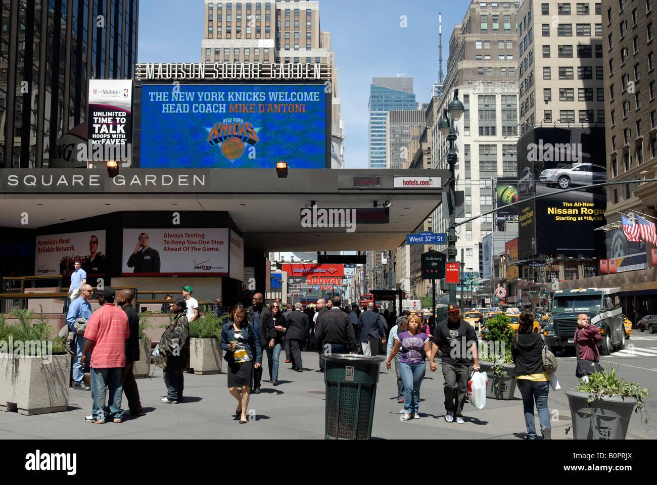 Der Eingang Zur Pennsylvania Station Und Madison Square Garden In