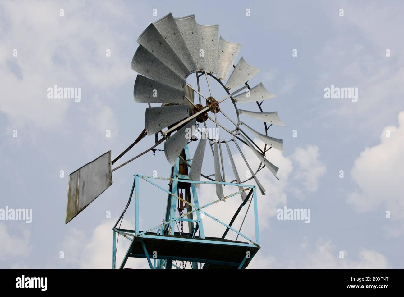 Wind angetriebene Wasserpumpe Zentrum für Alternative Technologie Wales UK Stockbild