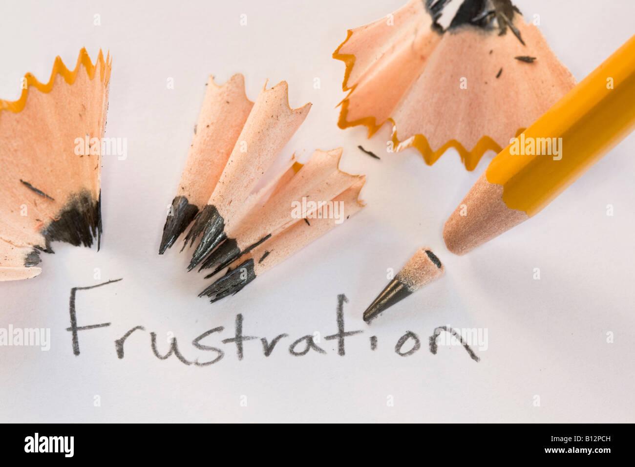 Frustration mit gebrochenen Bleistift mit rasieren Stockbild