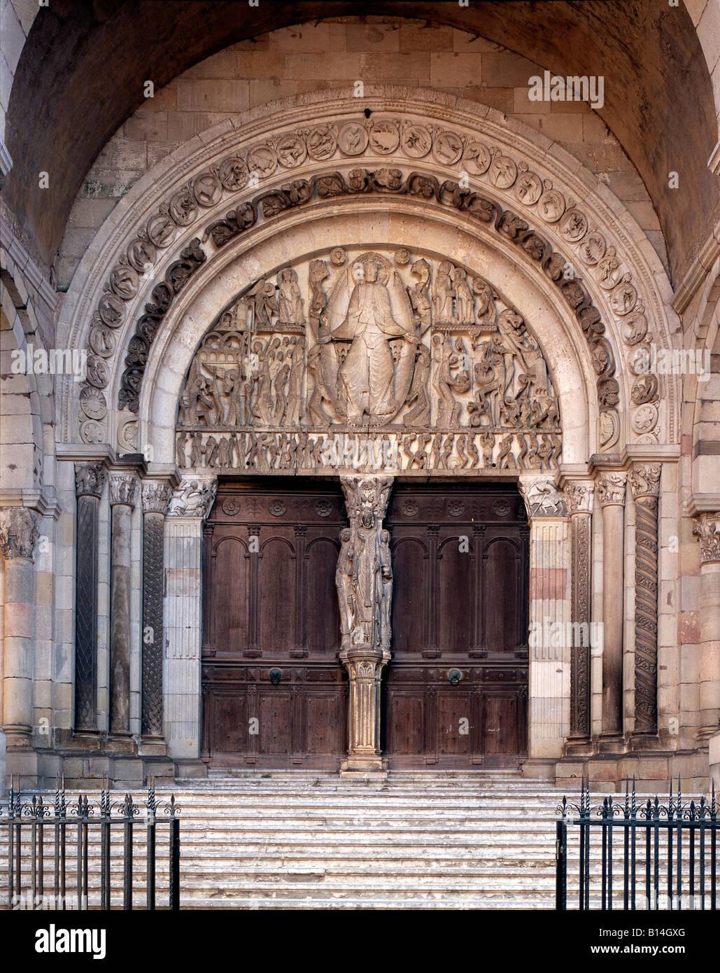 Autun Kathedrale St Lazare Hauptportal Tympanon