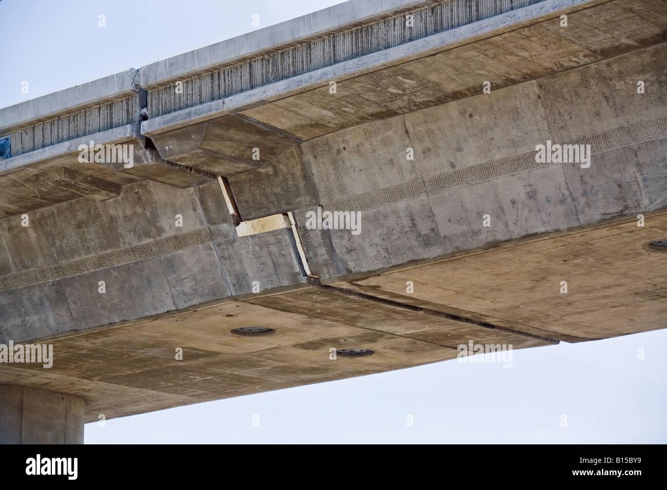 dehnfuge in konkrete obenliegende fahrbahn in südkalifornien