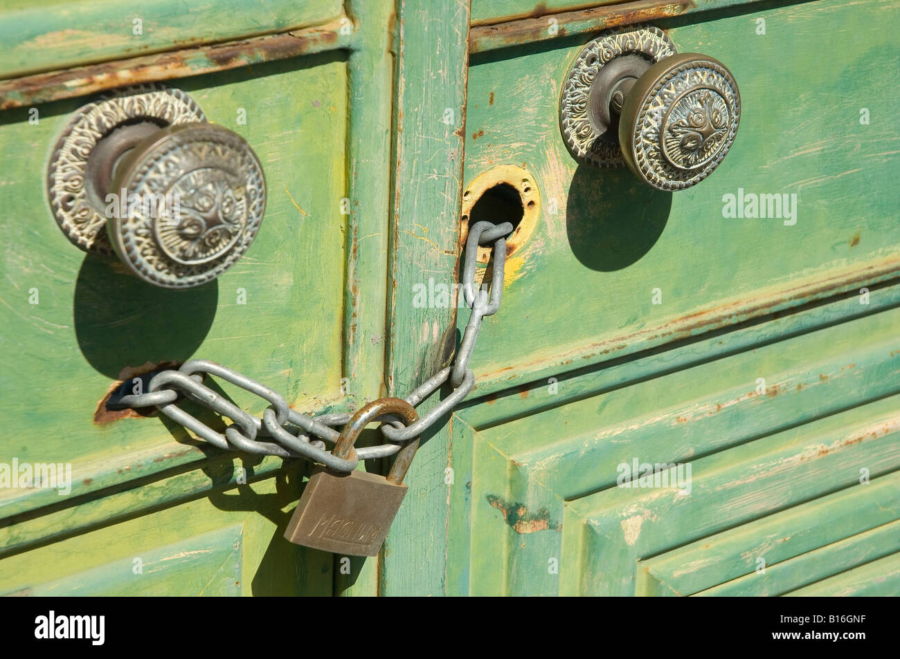 Painted Chain Stockfotos & Painted Chain Bilder - Seite 2 - Alamy
