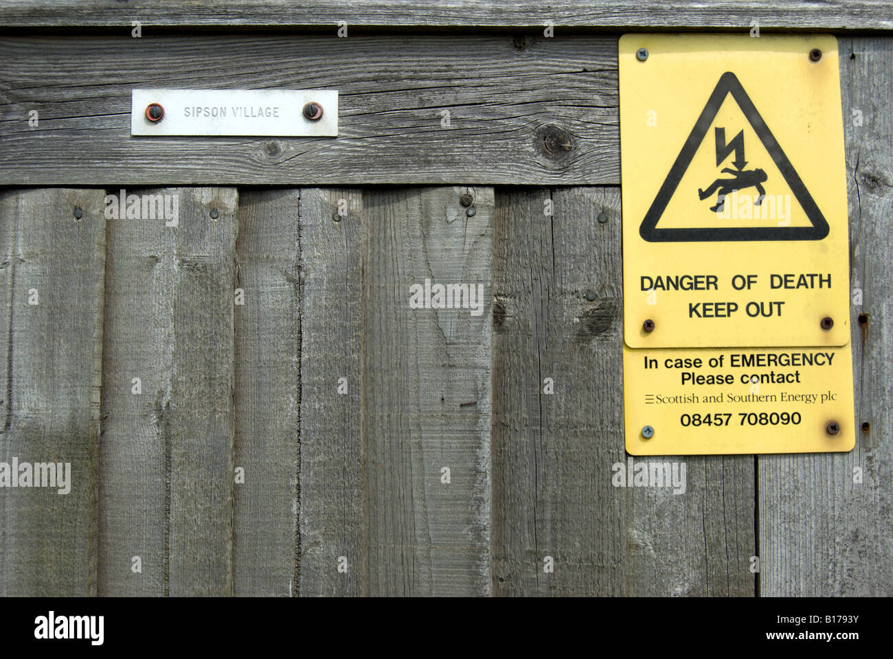 Danger Of Death Keep Out Sign Stockfotos & Danger Of Death Keep Out ...