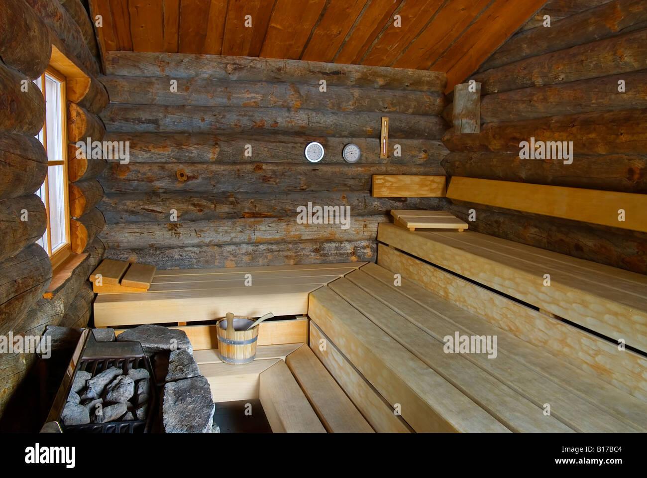 Dieses Foto zeigt die rustikalen Holz-Interieur der finnische sauna Stockbild
