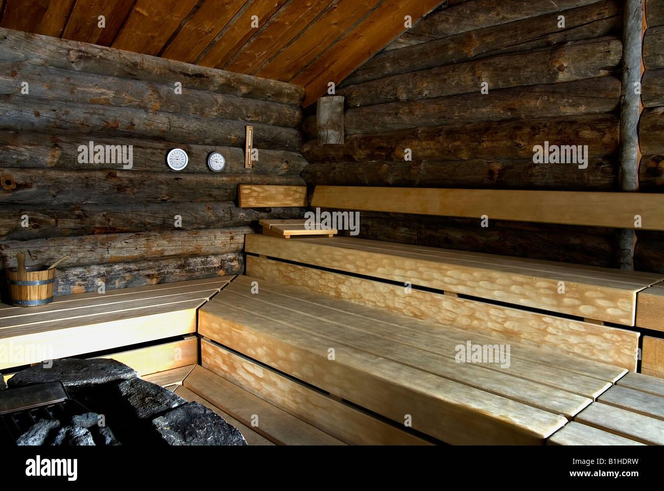 Rustikale Holz-Interieur der finnische sauna Stockbild
