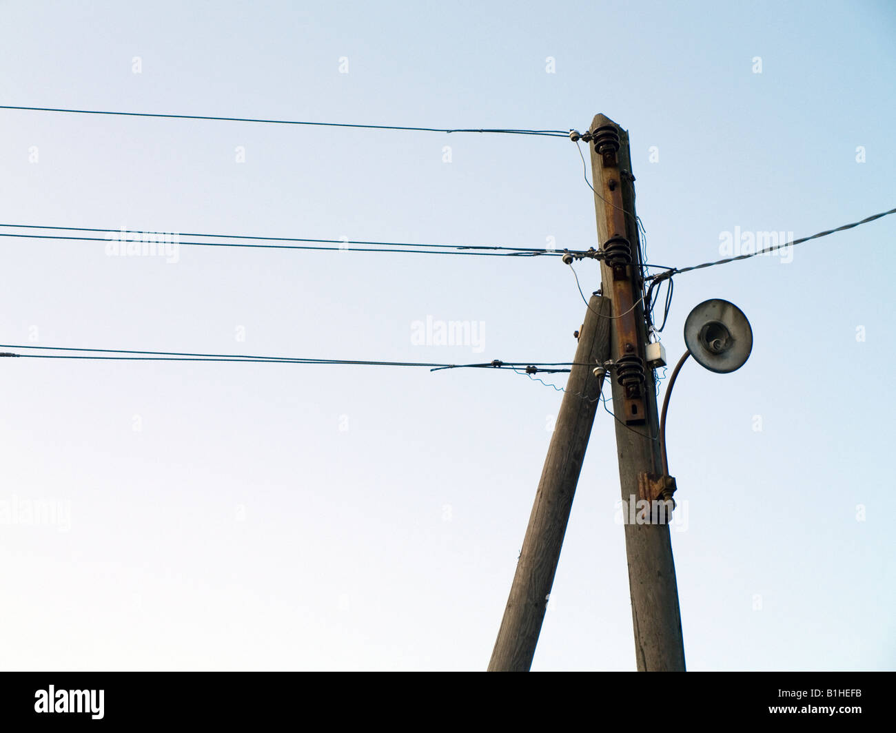 Wunderbar Neutraler Elektrischer Draht Fotos - Die Besten ...