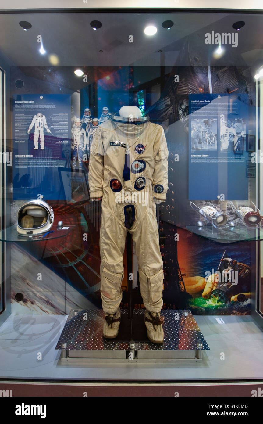 Astronaut Space Suit Display Stockfotos & Astronaut Space Suit ...