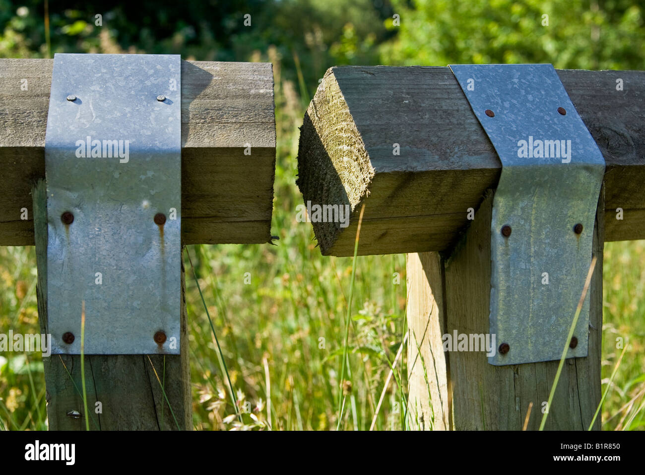 Metal Supports Stockfotos & Metal Supports Bilder - Alamy