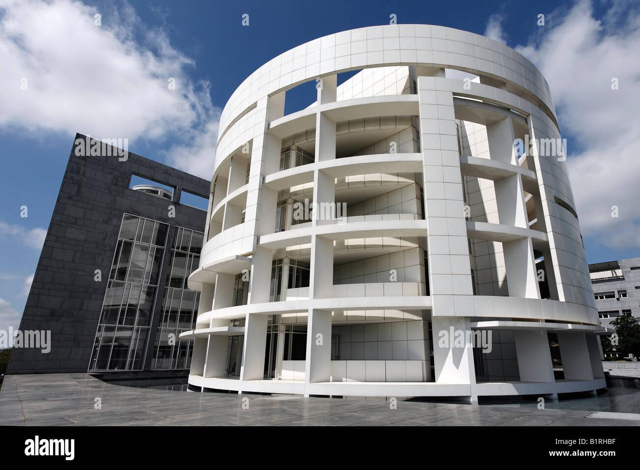 Moderne hypobank geb ude entworfen von architekt richard for Moderne architektur gebaude