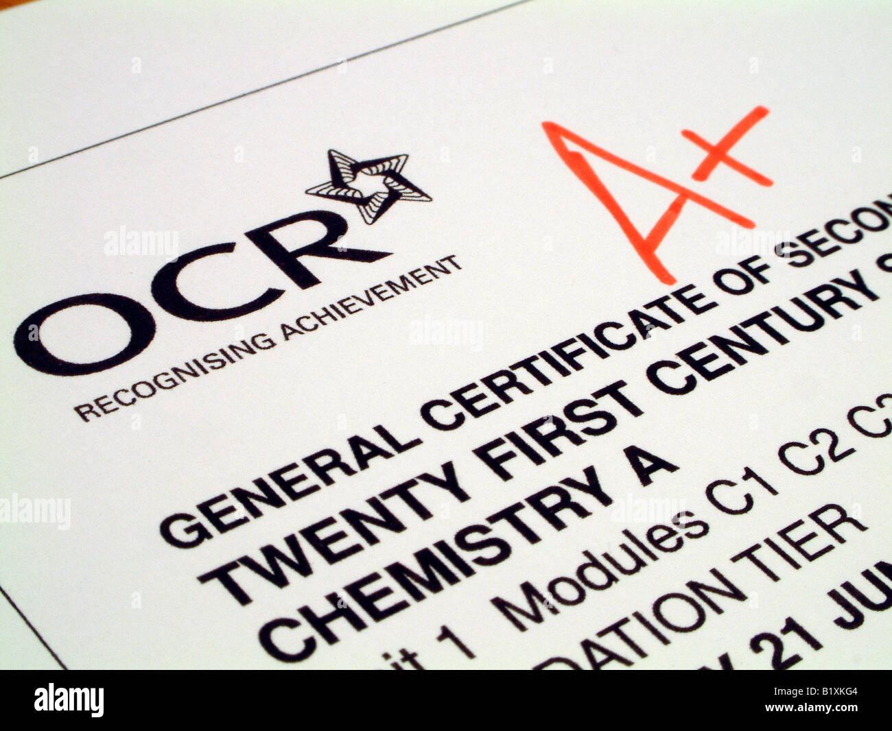 GCSE Wissenschaft Papier markiert A + Stockbild