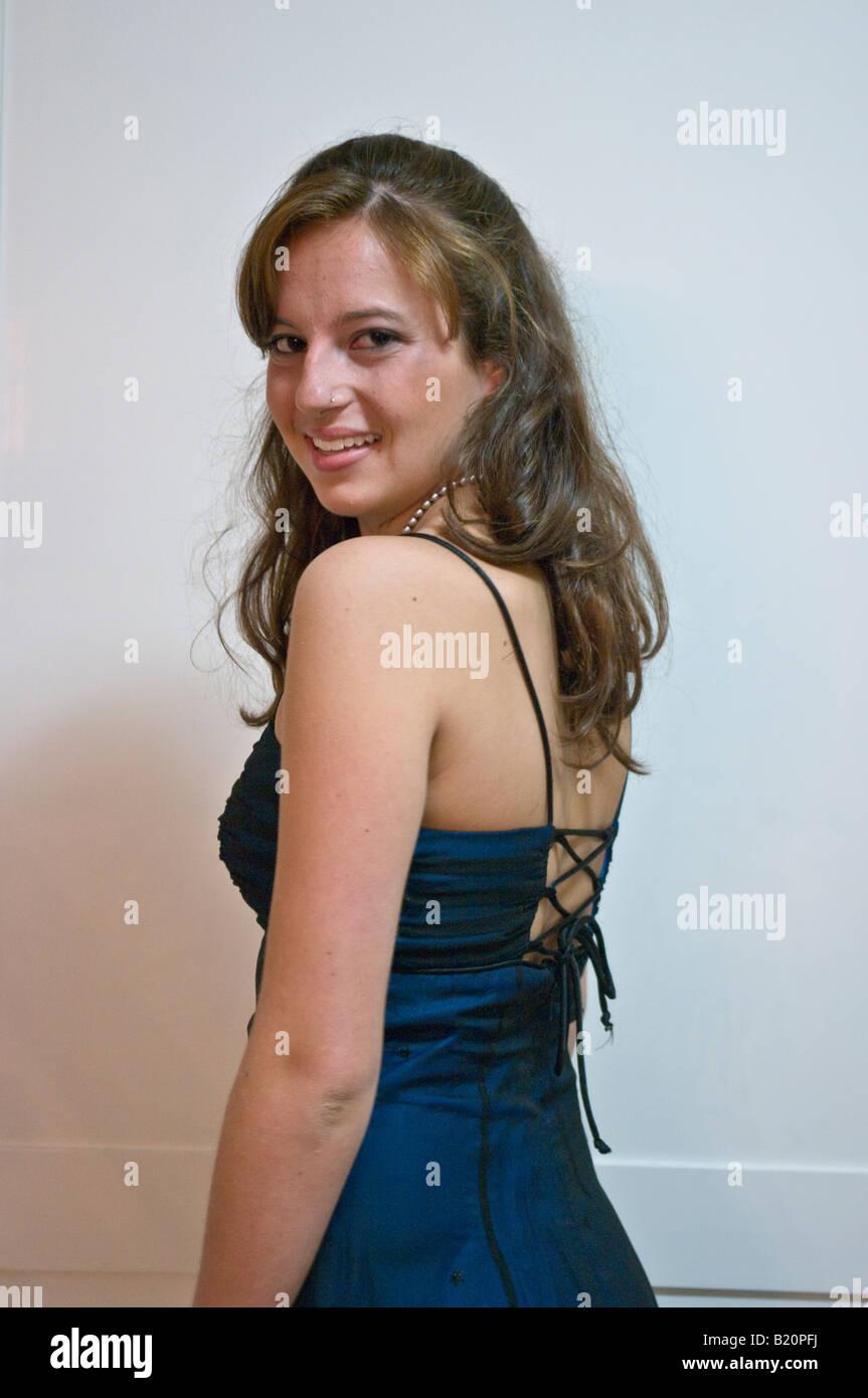 15-jährige Teenager-Mädchen in Prom Kleid Stockfoto, Bild: 18457366 ...